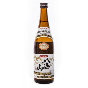 Hakkaisan Tokubetsu Special Honjozo Sake, 720ml