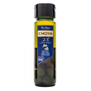 Choya Umeshu 23% Ume Liqueur with plums inside, 700ml